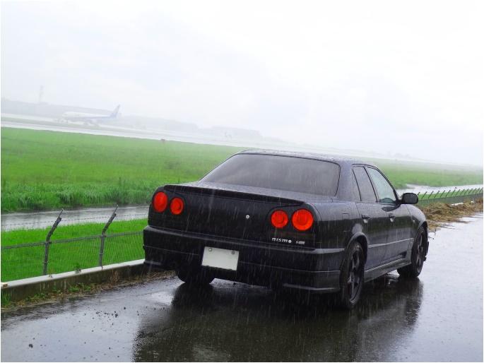 SKYLINE'14_rain airport (1).jpg