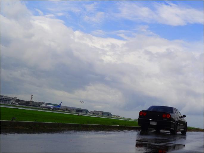 SKYLINE'14_rain airport (2).jpg